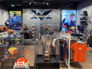 Max Verstappen pop-up store in Bataviastad Fashion Outlet