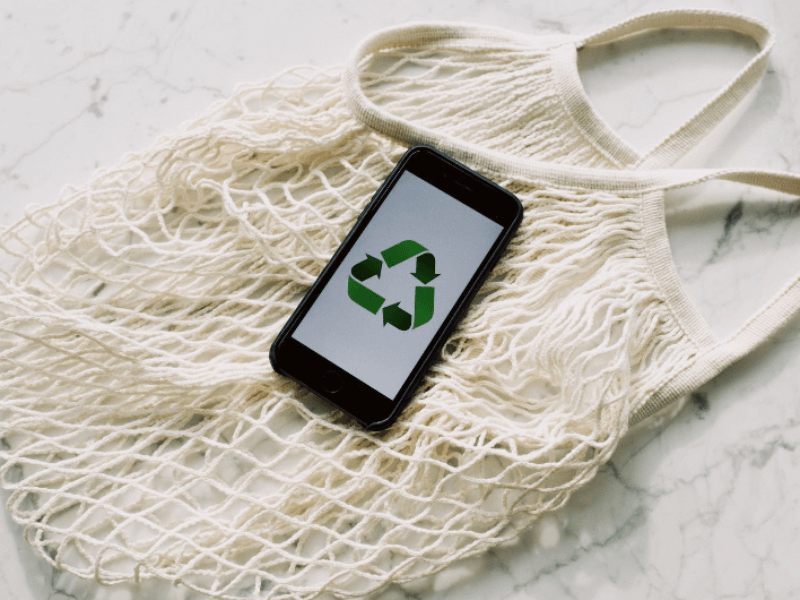 H&M introduceert de eerste in-store recyclemachine